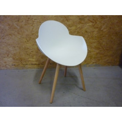 Chaise Cosmo